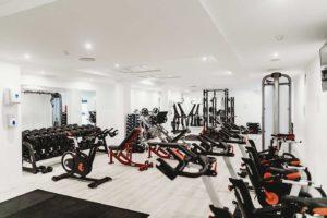 Stwórz profesjonalną siłownię CrossFit w Twoim domu